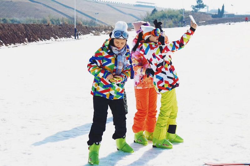 安吉云上草原星空滑雪场